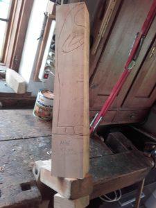 Figur aus 1 Stück Holz schnitzen